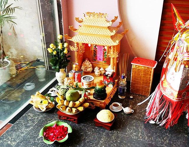 Cách bày trí bàn thờ thần tài đem lại may mắn cho gia chủ